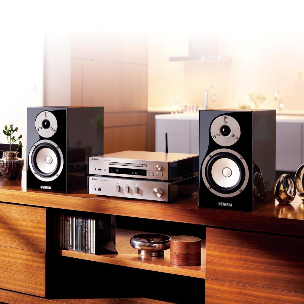 Sistem Stereo Yamaha MCR-N670D